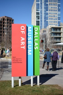 Dallas Museum of Art signage
