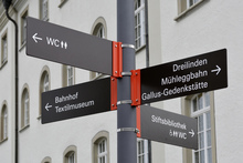 Gallusplatz signs