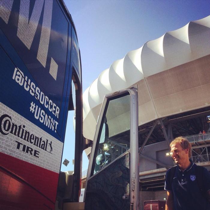bus4.jpeg