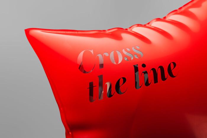 fisix_crosstheline_02.jpg