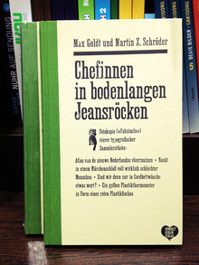 <cite>Chefinnen in bodenlangen Jeansröcken</cite> book cover
