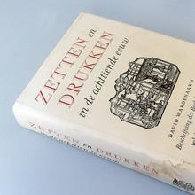 <cite>Zetten en drukken in de achttiende eeuw</cite>