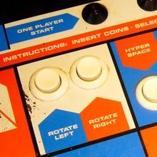 Astroids Arcade Console