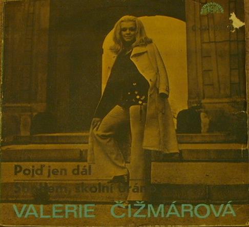 """""""Pojď jen dál"""" / """"Sbohem, školní bráno"""" single. Folio caps are paired with  for the titles."""