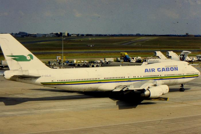 Taxi-ing out at JNB is F-ODJG. This aircraft flew its entire life with Air Gabon. The airframe was scrapped at Chalons-Vatry in 2006.