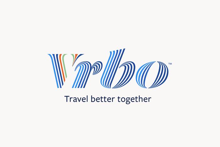 Positive logo version with slogan.