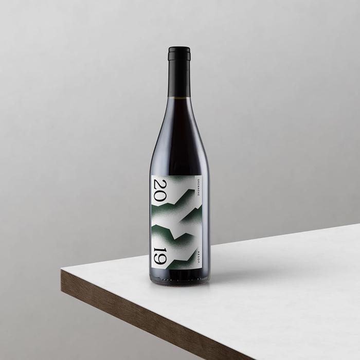 Design by studio CHEVAL.