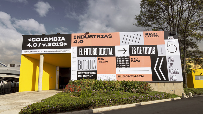 Colombia 4.0 signage 3