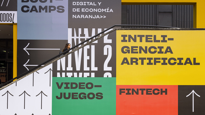 Colombia 4.0 signage 2