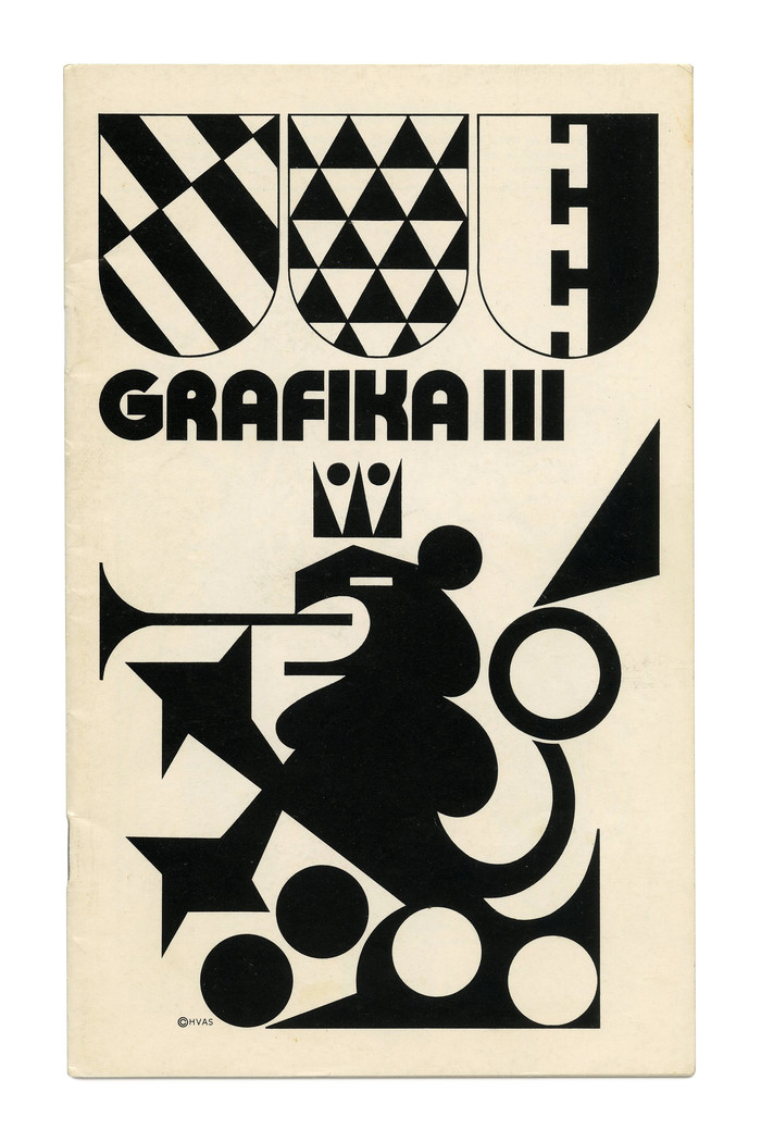 Grafika 3 (1971) appears to use a solid, filled-in modification of Bauhaus Prisma. When compared to  or  (PLINC's precursors of ), the differences are most notable in the counters of R (not round) and A (much larger), as well as the K with more even arms. G was trimmed for tighter spacing.
