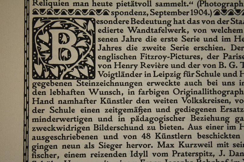 Koloman Moser's ornamental decorations and Rudolf von Larisch's typeface Plinius are a perfect match.