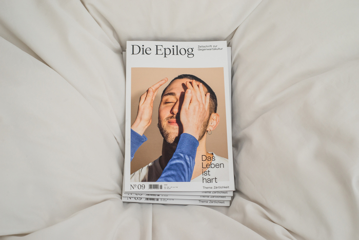 """Die Epilog, issue 9: """"Das Leben ist hart — Thema: Zärtlichkeit"""" 1"""