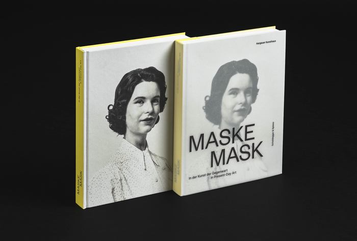 24.2×32.6 cm hardcover with and without dust jacket