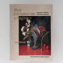 <cite>Den parfymerade trädgården</cite> by Elin Unnes