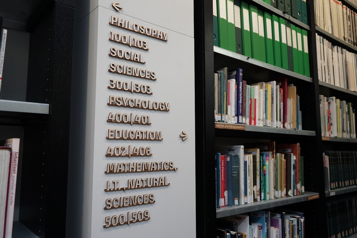KABK The Hague library signs 3