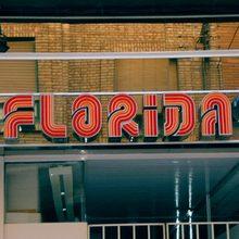 Almacenes Florida sign