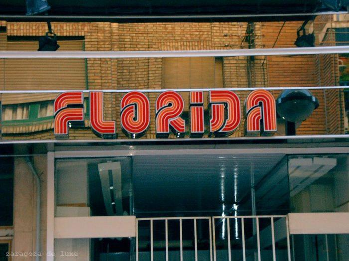 Almacenes Florida sign 1