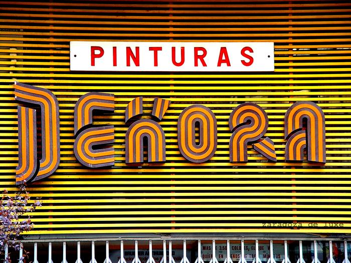 Pinturas Dekora sign 2