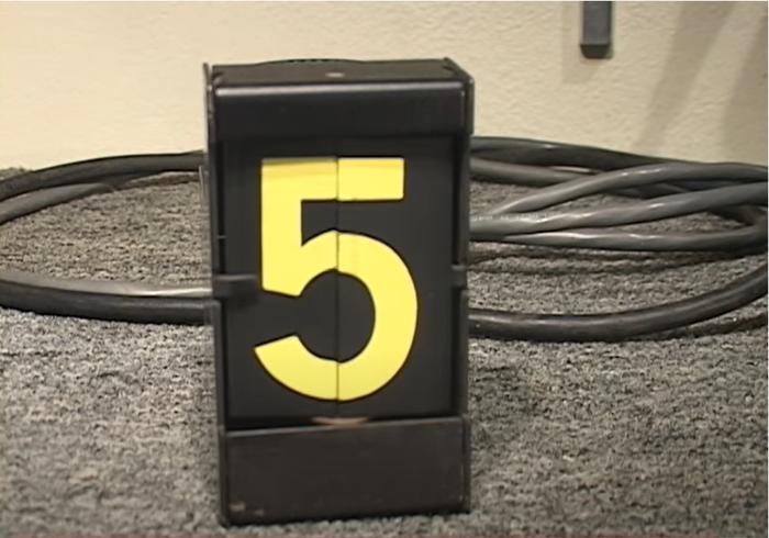 Signaltron ST-15 split-flap displays 2