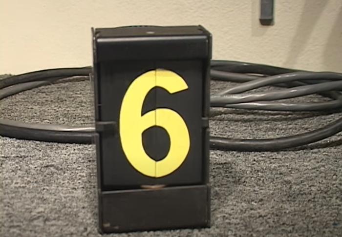 Signaltron ST-15 split-flap displays 4