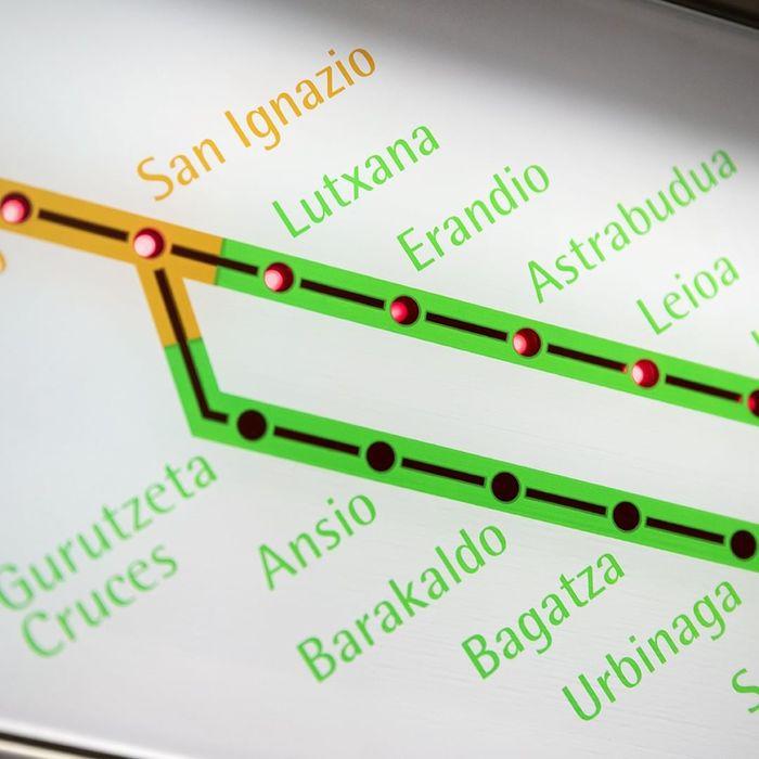 Line diagrams show station names set on an angle.