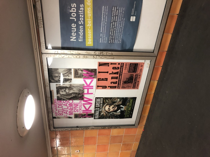 One of the posters as shown in Berlin's U-Bahn stations.