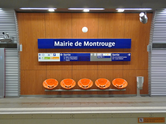 RATP metro signs and identity 6
