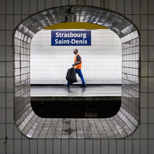 RATP metro signs and identity