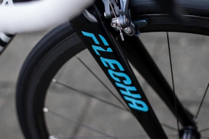 Flecha Bikes logo 4