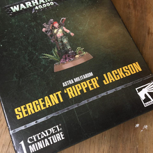 Citadel Miniature Warhammer 40,000 kit packaging and Citadel logo