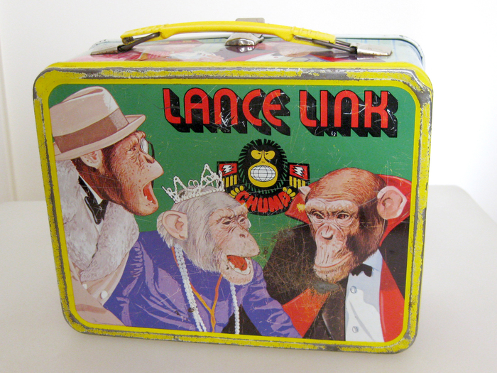 The reverse side of the lunch box shows Baron von Butcher, the Duchess, and another CHUMP villain.