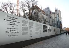 Notre-Dame de Paris signage
