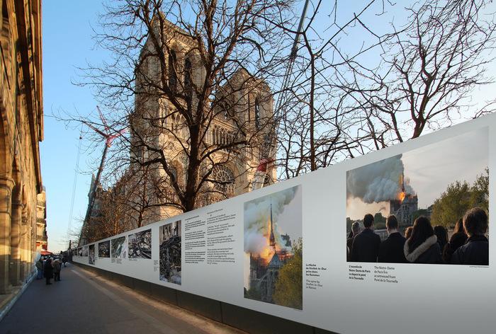 Notre-Dame de Paris signage 3