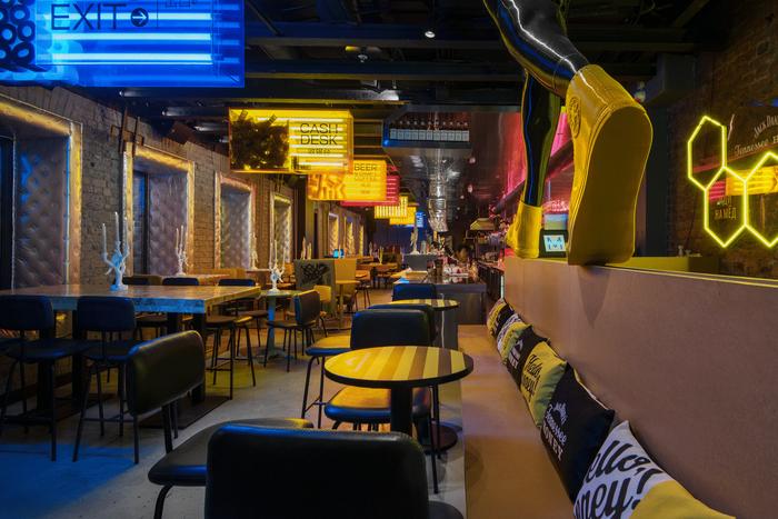 Prokhodnoye Mesto bar, Moscow 4