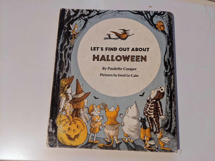Let's Find Out About Halloween by Paulette Cooper 1