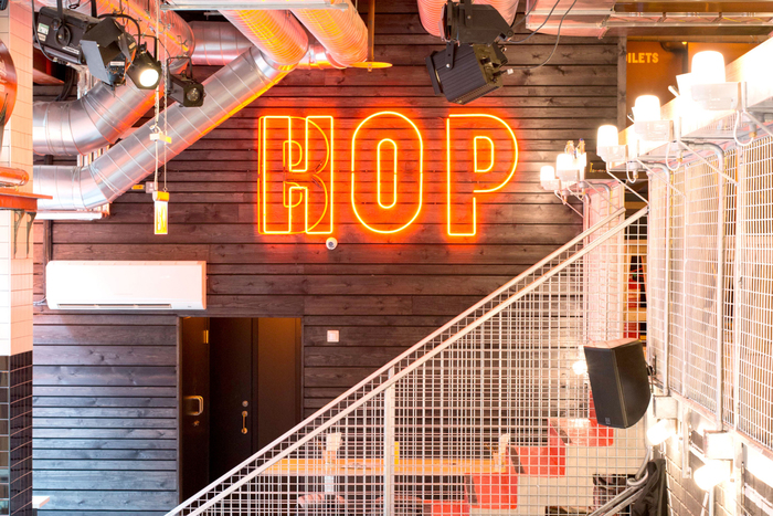 Draft House Old Street, Neon type animates between HOP and BOP
