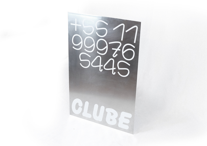 CLUBE oversized steel business card.