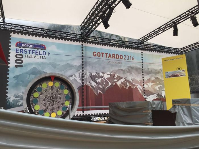 The Swiss Post booth is getting ready for the Vaudeville Studios signing session in Rynächt.