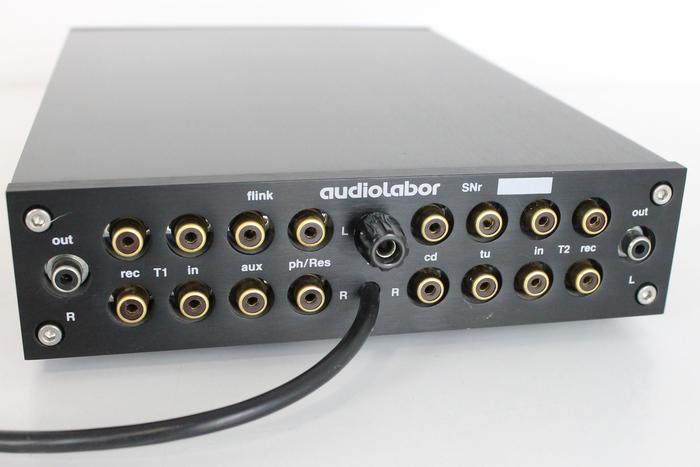 Audiolabor's flink preamplifier (back).