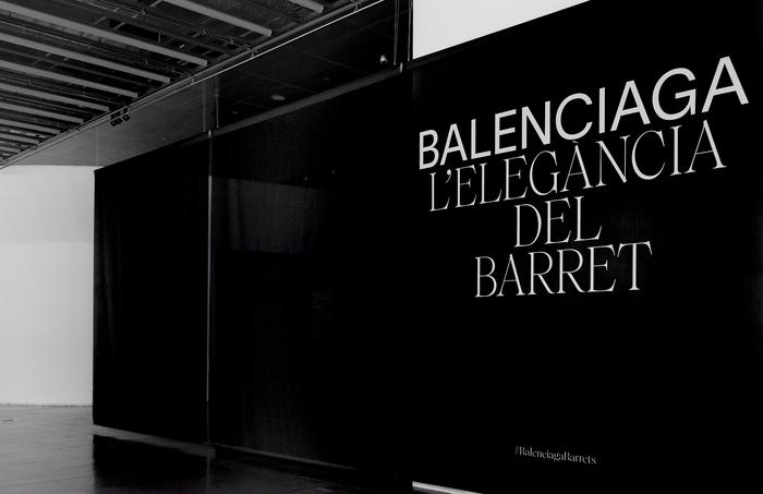 Balenciaga: The elegance of the hat 1