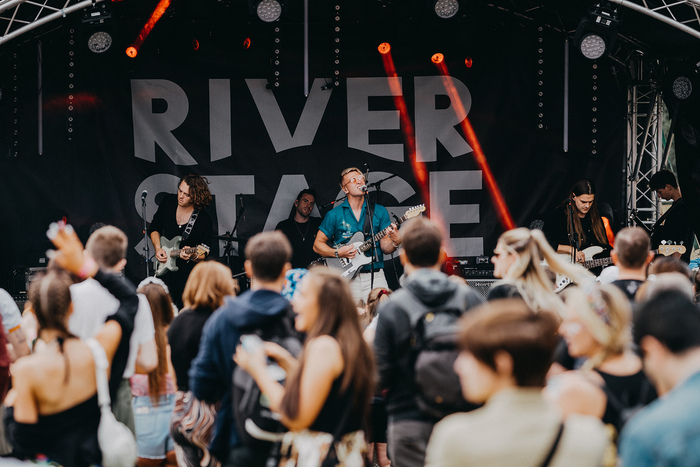 Daytime TV at the River Stage