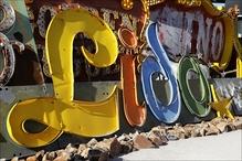 Le Lido de Paris logo and neon sign