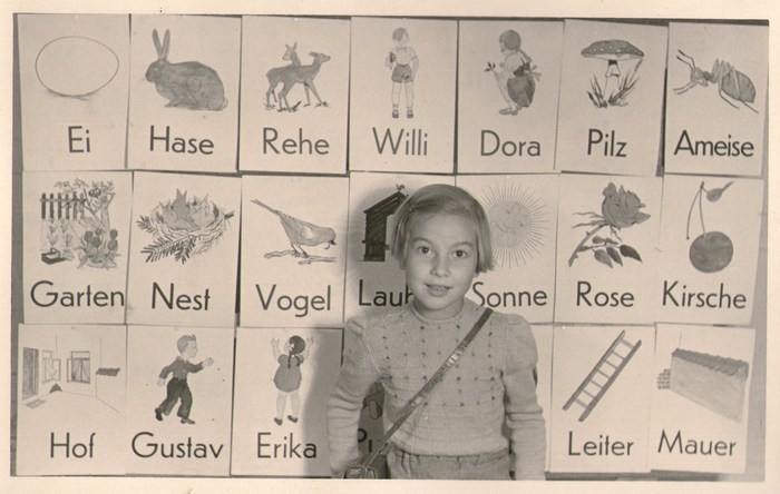 German alphabet learning cards, 1950s