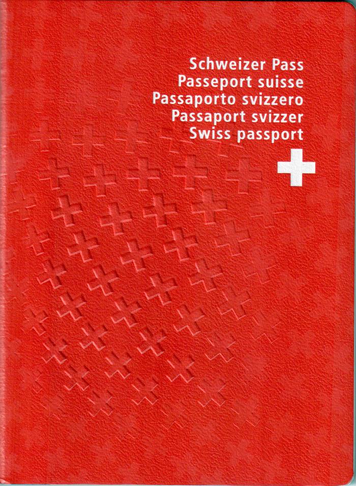 Cover of a non-biometric Swiss passport (2003).