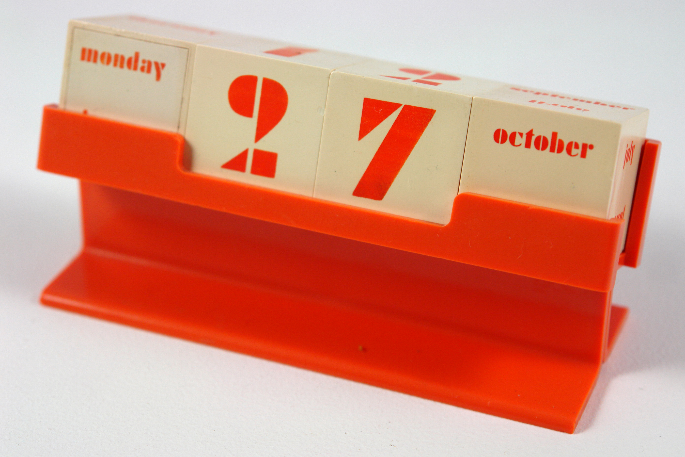 Mid Century Perpetual Desk Calendar Fonts In Use