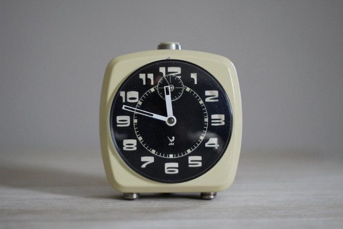 Vintage French Jaz alarm clock 1