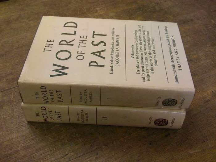 The World of the Past by Jacquetta Hawkes (Thames and Hudson) 1