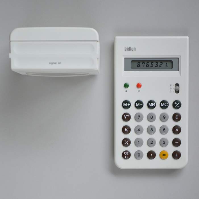 Braun ET 55 control and AB 22. White model produced in a limited edition of 5,000 pieces.