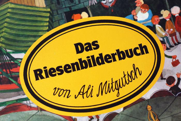 Das Riesenbilderbuch by Ali Mitgutsch 3