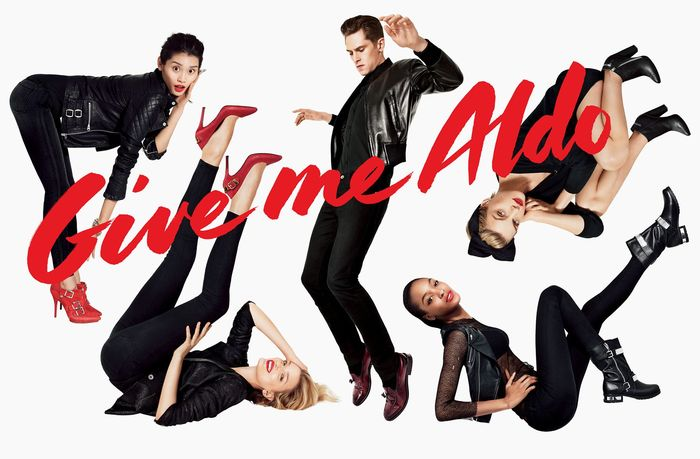 """The initial """"Give me Aldo""""campaign with hand lettering by Celia Carlstedt which the typefaceCortado isbased on."""